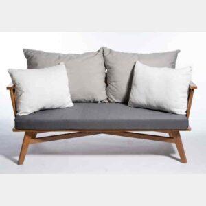"""ספה זוגית מעוצבת מעוגלת עץ מלא מבסיס עץ טיק דגם David רוחב 160 ס""""מ"""